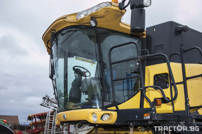 Комбайни New-Holland CX 8070 11 - Трактор БГ