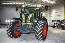 Claas Arion 460